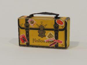 comeseemystuff_arleen_sorkin_1910-1914 German Halloween Suitcase Candy Container